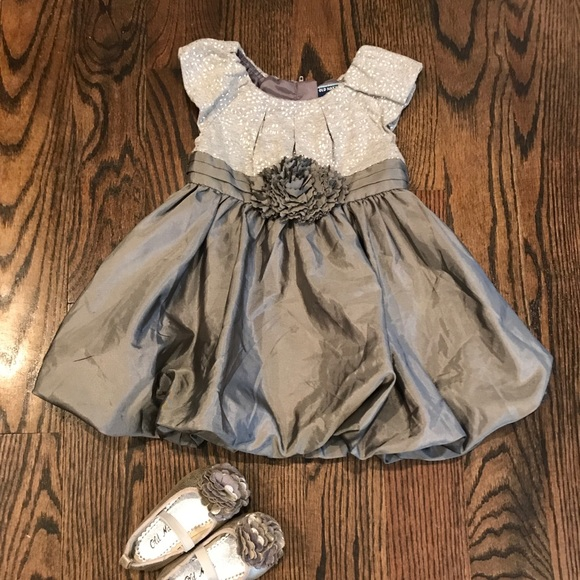 0a835860e004 Old navy party dress with shoes 12-18 months. Old Navy.  M_5a7726b73800c54d0eecc27f. M_5a7726b945b30cad07eb0154.  M_5a7726bb1dffda9466e4d180